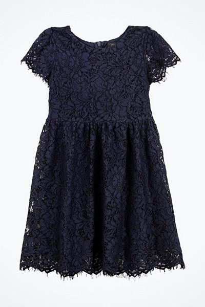 Ida Sjöstedt spetsklänning Bianca