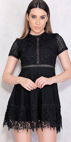 Chiquelle A-linjeformad klänning med korta ärmar