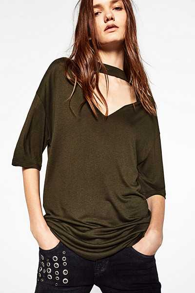 Zara oversize t-shirt med choker