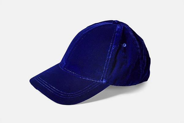 Bik Bok blå keps i sammet