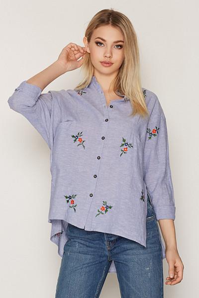 Topshop skjorta i oversize-modell med broderade detaljer