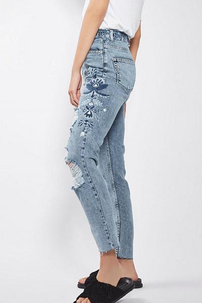 Topshop ljusblå jeans med hög midja och broderade detaljer