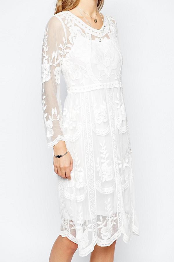 Navy London långärmad vit klänning i bohemisk stil