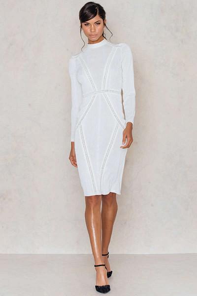 Aéryne x NA-KD vit långärmad klänning