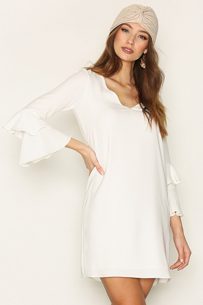 River Island vit klänning med volanger