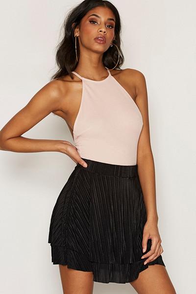 NLY One vippig plisserad kjol