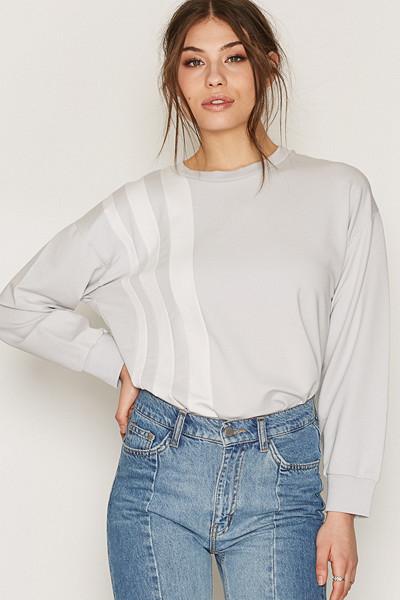 Filippa K sweatshirt med lodräta linjer