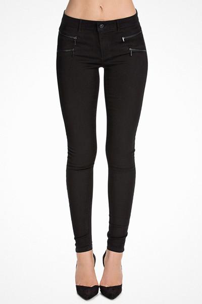 Only jeans med detaljer kring höfterna