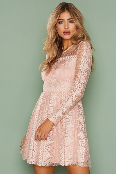 NLY Trend rosa festklänning