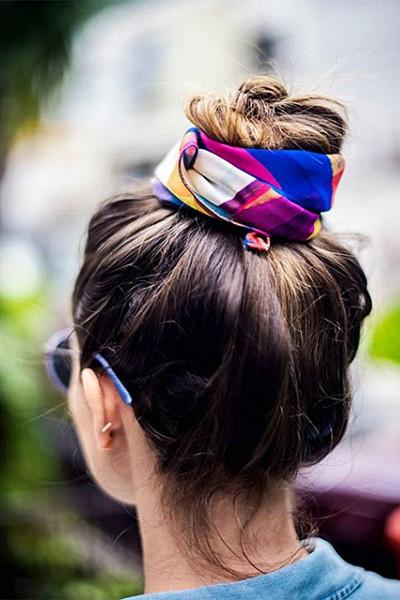 Styla scarfen; i håret
