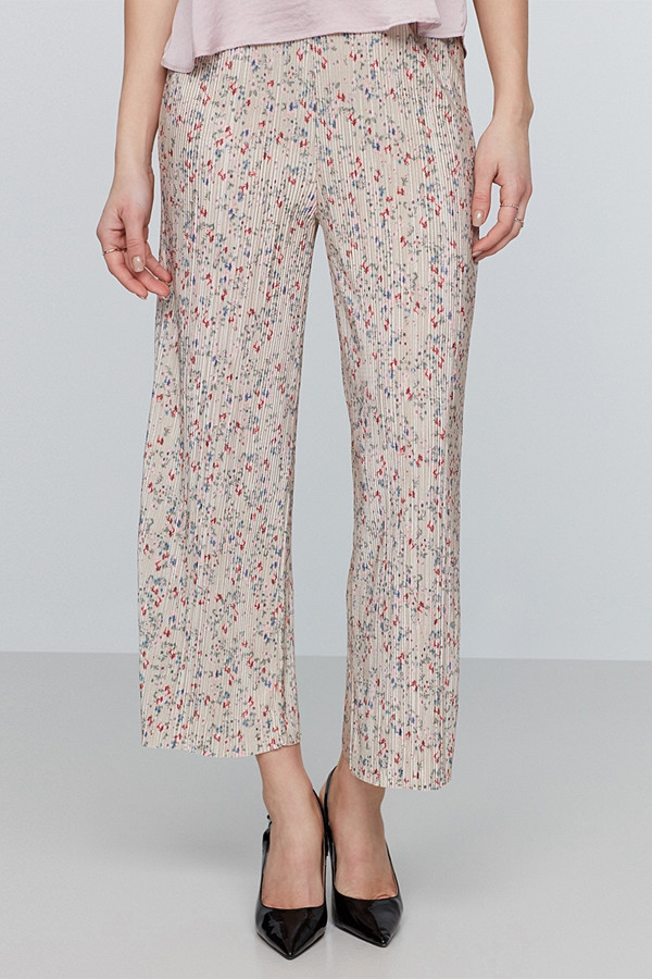 Gina Tricot plisserad byxor i culottemodel