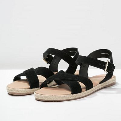 Pier One svarta sandaler i läder med sula i bast