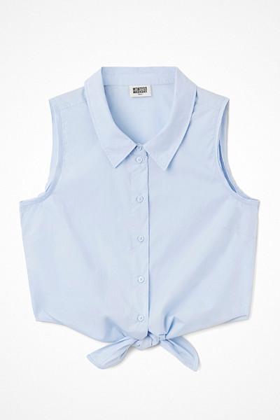 Weekday kort ärmlös ljusblå skjorta med knytdetalj