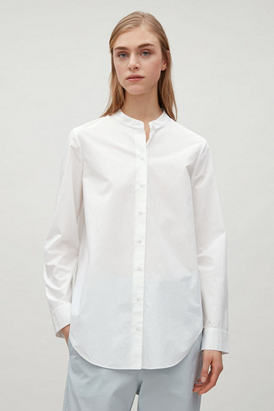 COS vit skjorta farfarskrage