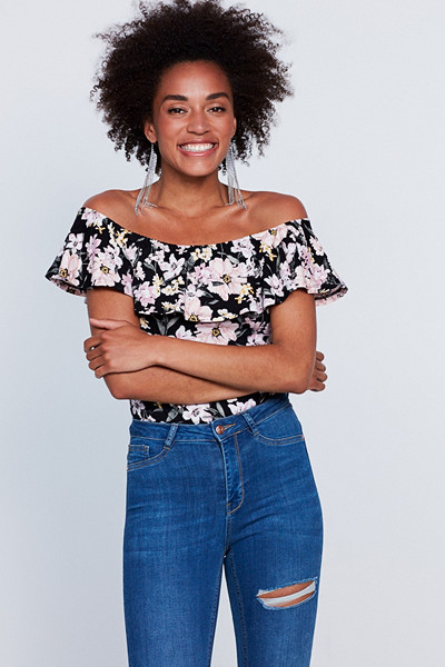 Gina Tricot blommig off shoulder-topp