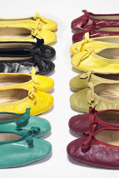 Audrey Hepburns färgglada samling av ballerinaskor