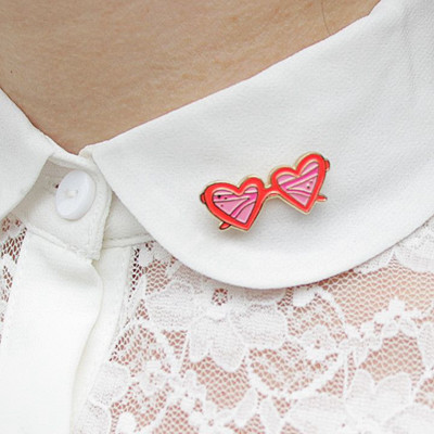 Inspiration pins på skjortkragen