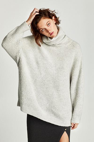 Zara ljusgrå polo i oversize modell