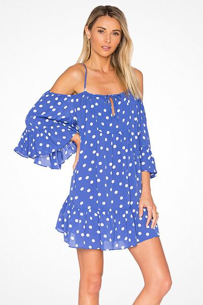 Tularosa x Revolve blå prickig klänning