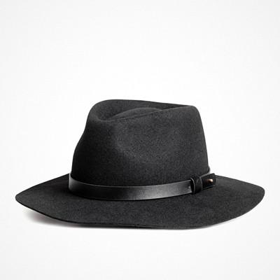 H&M svart filthatt