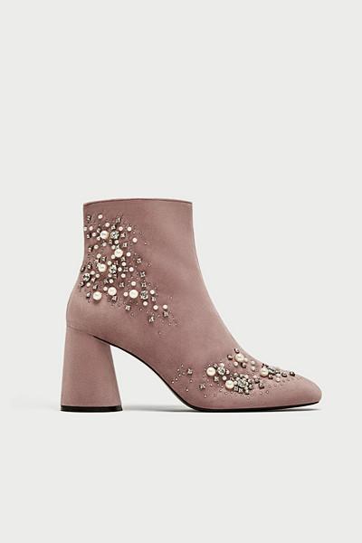 Zara högklackade boots med pärlor