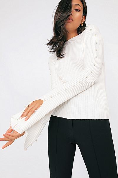 Chiquelle vit tröja med pärlor