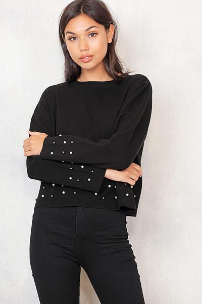 Chiquelle svart tröja med pärlor