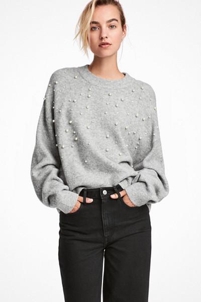 H&M grå tröja med pärlor