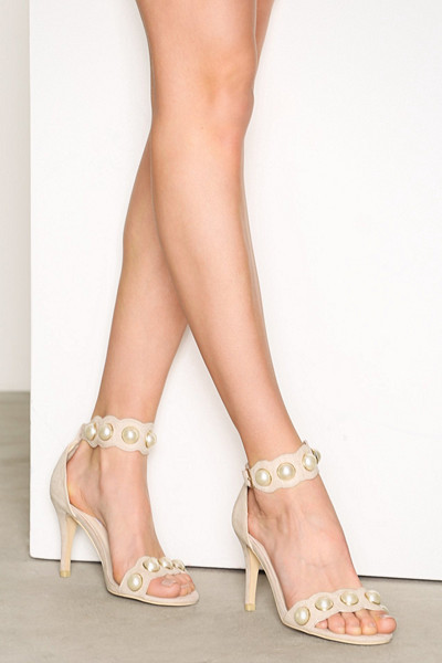 NLY Shoes klackar med pärlor