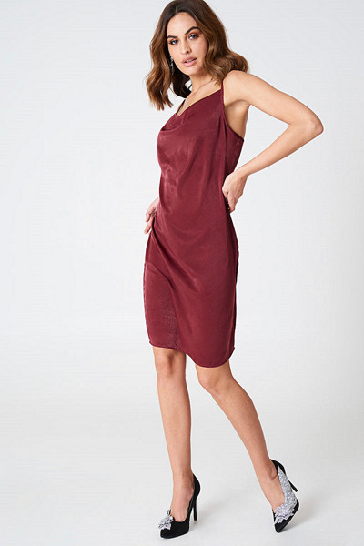 Hannalicious x NA-KD Cowl Neck Dress