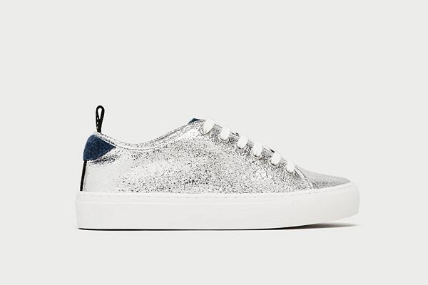 Zara silverfärgade sneakers med fuskpäls