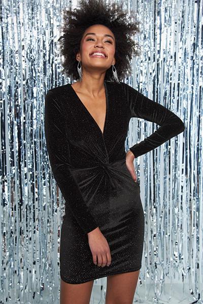 Gina Tricot svart långärmad klänning med dekorativ knut