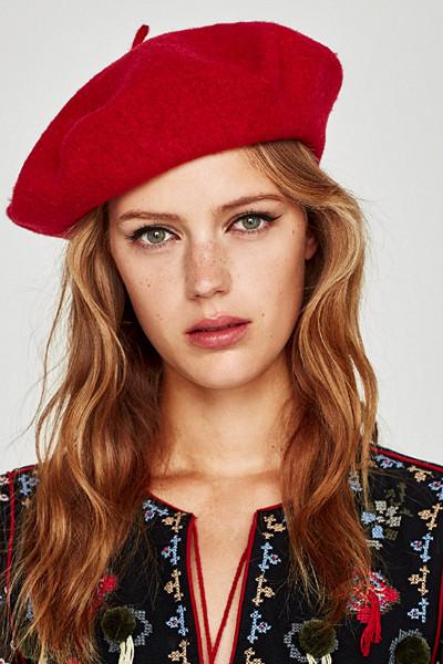 Zara röd basker