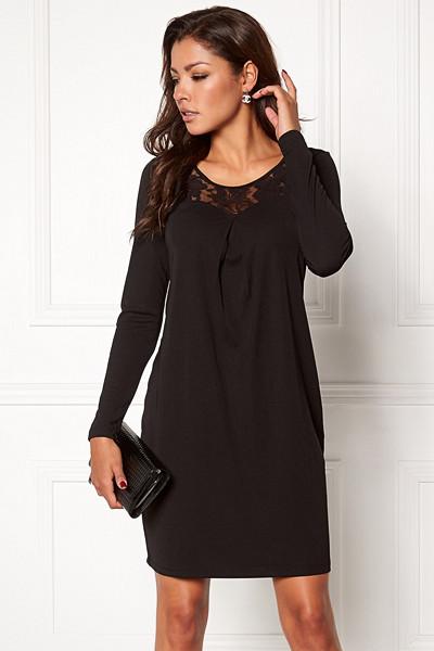 Chiara Forthi svart klänning med spets framtill