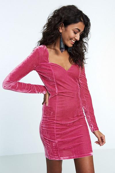 Gina Tricot rosa sammetsklänning