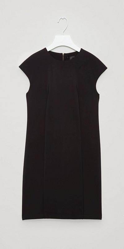 COS svart klänning