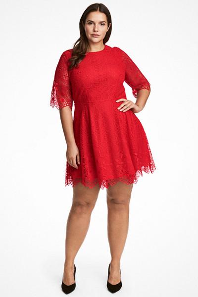 H&M+ röd kort spetsklänning