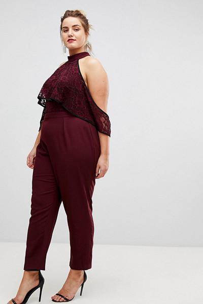 ASOS Curve vinröd jumpsuit med spetsdetaljer