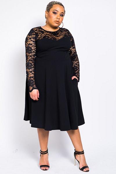 Madlady svart klänning med spetsdetaljer Oh So Lacy
