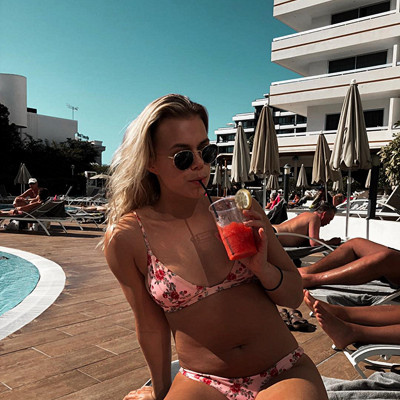Andrea Hedenstedt x NA‑KD bikini