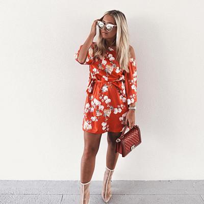 Hannalicious x NA‑KD blommig klänning