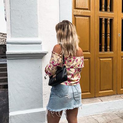 Andrea Hedenstedt x NA‑KD off-shoulder blus