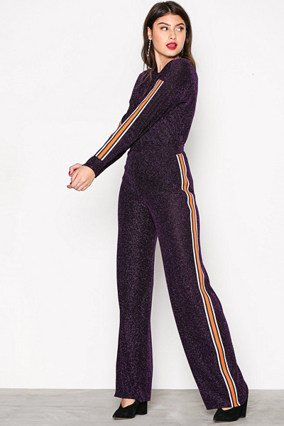 NLY Trend Sporty Lurex Stripe glittrigt set