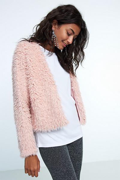 Gina Tricot mjuk och fluffig fuskpäls i rosa