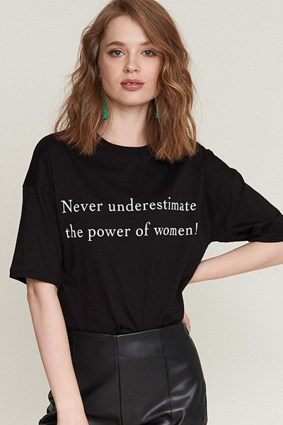"Gina Tricot statement t-shirt ""Never Underestimate the Power of Women"""