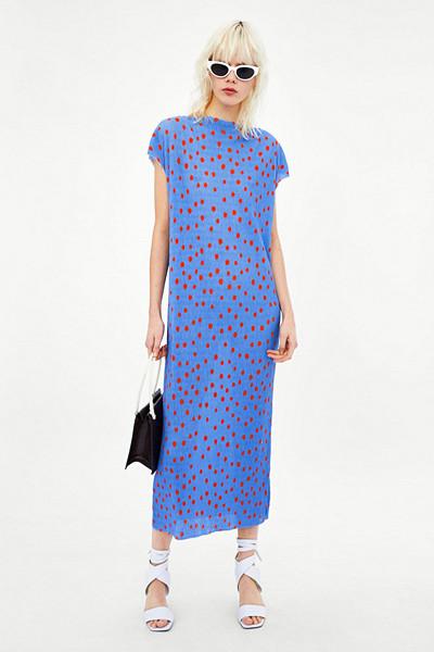 Zara blå klänning med röda prickar