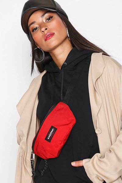 Eastpak röd bältesväska