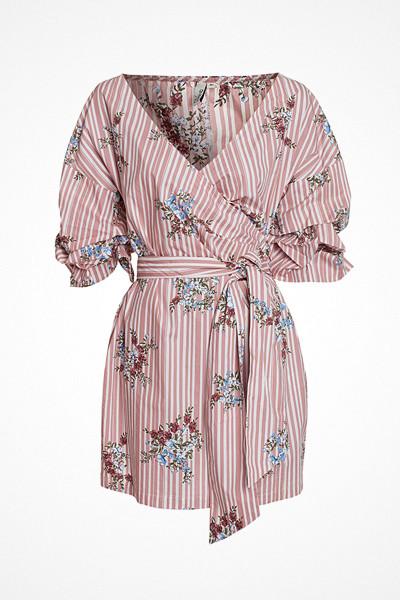 NLY Trend randig omlottklänning med blommor
