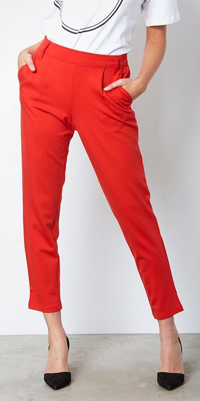 Jacqueline de Yong röda byxor