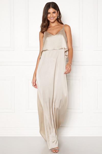 Lovisa Barkman x Bubbleroom champagnefärgad klänning Capri Flounce Dress
